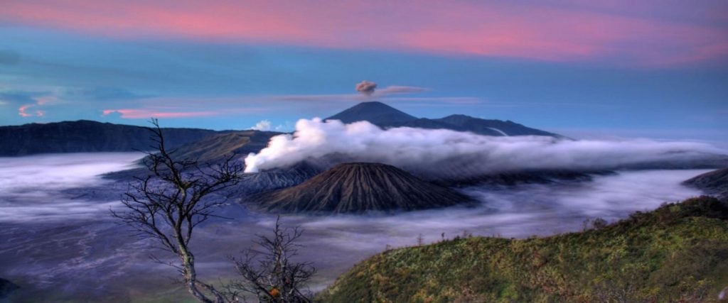 Miravalles Volcano and Hot springs
