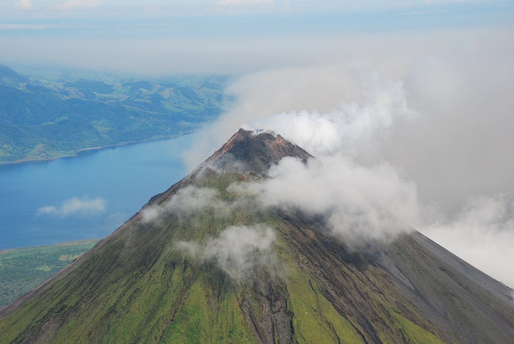 Best ways to visit Arenal Volcano Cost2a Rica1